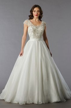 Scoop Princess/Ball Gown Wedding Dress  with Natural Waist in Tulle. Bridal Gown Style Number:32797540  Danielle Caprese
