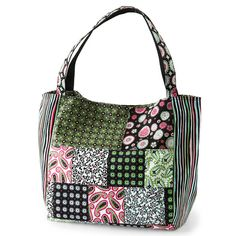 Stylish Patchwork Bag ~ http://www.bhg.com/crafts/sewing/accessories/easy-sewing-projects/?rb=Y#page=12