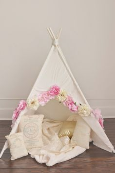 DIY Teepee // baby teepee // tent // 1st birthday photoshoot
