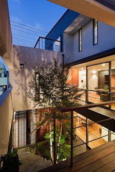 「中庭のある3階建て二世帯住宅」江戸川区::(株)中野工務店