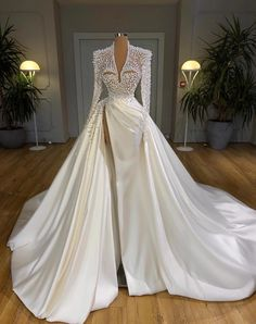Gala Dresses, Event Dresses, Best Wedding Dresses, Bridal Dresses, Dress Wedding, Beautiful Gowns, Beautiful Dream, Dream Dress, Pretty Dresses