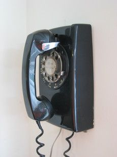 This is just like the phone we had in the 1960's, in avocado green. It was the only phone in the house.