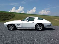Collection of Corvette Pictures and Videos 1967 Corvette Stingray, Old Corvette, Corvette Summer, Chevrolet Corvette, Dodge, Pictures Of America, Chevy Muscle Cars, Sweet Cars, Fast Cars