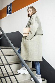 Пальто с кроссовками: выбор креативных и уверенных в себе леди