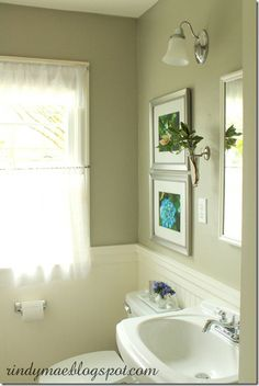 Rideaux Love this bathroom & wall vase (Paint color: Behr-Saturn Gray) Color Design Inspiration, Behr Paint Colors, Bathroom Colors, Room Colors, Bathroom Layout, Bathroom Decor, Favorite Paint Colors, Painting Bathroom, Bathroom Paint Colors