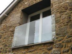 Glass-julliette-balcony.jpg 800×600 pixels