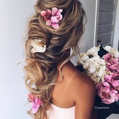 Romantic hair inspo Who'd love to wear this hairstyle?? Double tap! Hair by @ulyana.aster