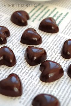 Could put chocolate hearts in centre of napkins? Chocolate Coins, Death By Chocolate, I Love Chocolate, Chocolate Hearts, Chocolate Shop, Chocolate Lovers, Chocolate Recipes, Mini Desserts, Delicious Desserts