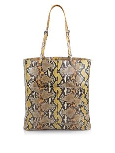 df4bd521c1ae We've been swept away by this masterpiece of a bag! Bottega Veneta, we love  you! Get it on SQUA.