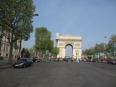 Champs Elysees looking towards the Arc de Triomphe 10 things to avoid on your first trip to Paris