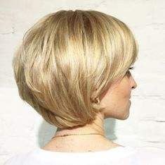 short layered golden blonde bob