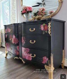 Decoupage Furniture, Shabby Chic Furniture, Refurbished Furniture, Furniture Diy, Repurposed Furniture, Furniture Rehab, Furniture Projects, Furniture Restoration, Redo Furniture