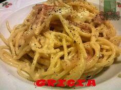 La gricia è un piatto della tradizione romana, uno di quei piatti base della cucina italiana che regala piacere ed emozioni. Provatela e mi darete ragione!