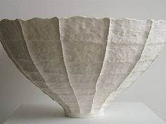Houseplants That Filter the Air We Breathe Meditations On The Vessel By Young Mi Kim Ceramic Tableware, Ceramic Bowls, Ceramic Pottery, Earthenware, Stoneware, Clay Bowl, Ceramic Studio, Porcelain Clay, Paperclay