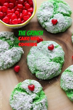 The Grinch Cake Mix Cookies. cake mix cookies are a delicious treat but turn them green and add a heart for The Grinch and they're even better! Perfect for Christmas time. A great holiday cake mix cookie! The Grinch, Grinch Cake, Grinch Cookies, Xmas Cookies, Grinch Heart, Snowman Cake, Santa Cookies, Christmas Sweets, Christmas Goodies