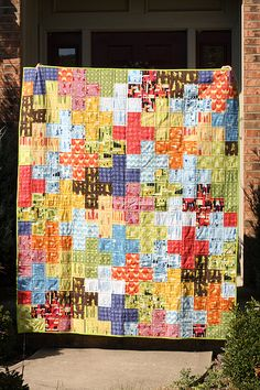 I love this quilt with all my heart. I'm going to make it. And there's even a tutorial AND you can quilt it with straight lines (I've had enough of stipple stitching for a while).