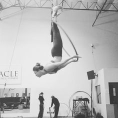 Flowing through different shapes. #lyra #cerceau #aerialhoop#usaerial #aerialnation #circusinspiration #circusaroundtheworld #aerialistsofig #circusartistcirque #aerialbeauty #circuseverydamnday#circus #cirque #circo #aerial #aerialarts #aerialfitness #getaerialfit #girlintheair