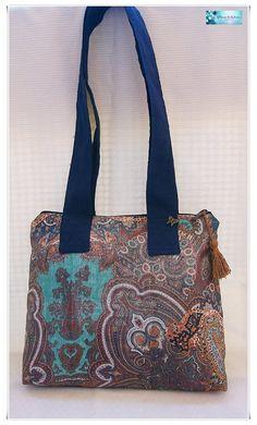 Elegante y original estampado para otro bolso de dos asas que salió del taller