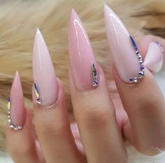 In this post I will show you the new acrylic painting ideas. You can inspire from these simple acrylic painting ideas. If you love acrylic art, come here! Pointed Nails, Stiletto Nails, Acrylic Nail Shapes, Acrylic Nails, Love Nails, Fun Nails, Nail Games, Fall Nail Designs, Pearl Color