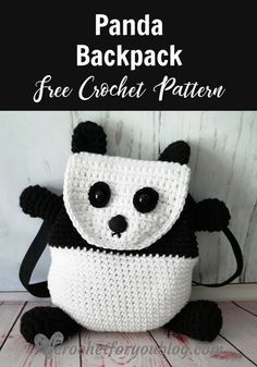 Crochet Bag Crochet Panda Backpack Free Pattern - This panda backpack free pattern is a cute and little backpack for kids to keep their treasure. It would be a great gift for kids as a holiday or birthday gift. Mochila Crochet, Bag Crochet, Crochet Shell Stitch, Crochet Gratis, Crochet Handbags, Crochet Purses, Cute Crochet, Crochet For Kids, Crochet Baby