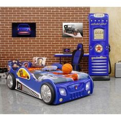 Monza racing car bed with LED lights. The Racing Car bed is a fantastic focal point in any childs bedroom and your little racing driver will be the envy of their friends, with a lower pull out drawer that contains a great occasional bed.
