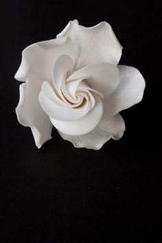 Tutorial de gardenia de pasta de azucar de Cake Central.