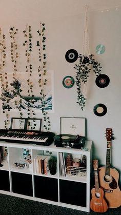 Awesome and Fun Teen Girl Bedroom Ideas You Want It - room inspo Awesome and Fun Teen Girl Bedroom Ideas You Want It - blueberry Cute Bedroom Decor, Cute Bedroom Ideas, Room Design Bedroom, Room Ideas Bedroom, Decor Room, Bedroom Inspo, Teen Bedroom, Music Bedroom, Teenage Bedrooms