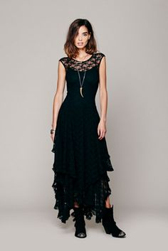 Downton Abbey Inspired Black Dress- I would totally wear this!!