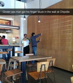 Grown man got his finger stuck in the wall in Chipotle, and other pictures that will make you laugh out loud. This is hilarious hahahaha! Really Funny, The Funny, Super Funny, Lol, Never Not Funny, Funniest Snapchats, Funniest Gifs, Funniest Pictures, Disneyland