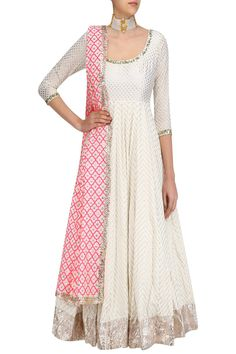 New wedding dresses indian white anarkali 51 ideas Salwar Designs, Kurti Designs Party Wear, Blouse Designs, Dress Designs, White Anarkali, Anarkali Dress, Simple Anarkali Suits, Black Lehenga, Indian Attire