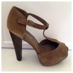 SALE🎉NIB heels Brand new pair of 5 inch taupe platform heels true to size... we have one pair size 7 and one pair size 8 - true to size - NWB from boutique. Shoes Heels