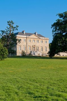 As featured in BridesMagazine.co.uk's Top 70 wedding venues in the UK & Ireland, Botleys Mansion is a special spot for tying the knot (BridesMagazine.co.uk)