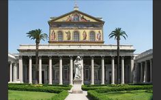 Basilica di San Paolo fuori le mura - IV sec. - architetto Ciriade - Roma. Voluta da Costantino, sorgeva sopra la necropoli dove fu sepolto S. Paolo.