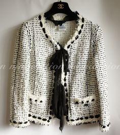 Auth Chanel Black & White Tweed Jacket 3461 Black Tweed Jacket, Chanel Tweed Jacket, Chanel Style Jacket, Chanel Outfit, Chanel Fashion, Couture Fashion, Runway Fashion, Street Chic, Street Style
