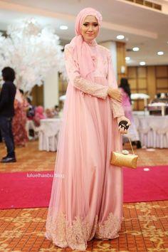 Hijab Fashion 2016/2017: pink moslem evening dress
