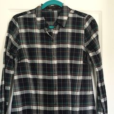Plaid Shirt Great for layering. Great condition. 100% cotton. The Limited Tops Button Down Shirts