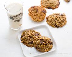 Vegan Flour-Free Oat Chocolate Chip Cookies.