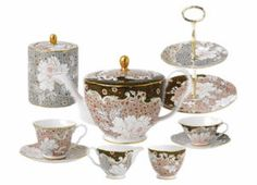 Selection of Daisy tea service items by Wedgewood.