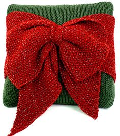 Christmas Bow Pillow   Knit Bow Pillow   FREE Knitting pattern from @joannstores