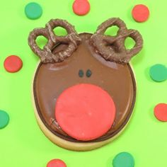 Rudolph cookies are a cute decorated Christmas cookie idea. Step-by-step how-tos for Christmas cookie decorating. Merry Christmas, Rudolph Christmas, Christmas Goodies, Christmas Baking, Christmas Treats, Christmas Recipes, Christmas Stuff, Holiday Treats, Christmas Time