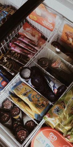 like bgt laa ak sm es krim🙂💙 Food N, Junk Food, Good Food, Food And Drink, Yummy Food, Tasty, Fake Food, Snap Food, Tumblr Food