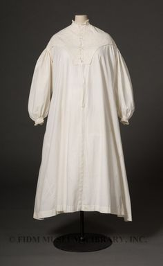 1860s Nightgown