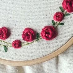 Diy Embroidery Shirt, Basic Embroidery Stitches, Hand Embroidery Videos, Learn Embroidery, Ribbon Embroidery, Embroidery Kits, Simple Embroidery Designs, Hand Embroidery Patterns Flowers, Fabric Jewelry