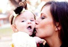 5-Aug-2014 14:21 - VERSTROOIDE MOEDER LAAT BABY STERVEN IN SNIKHETE AUTO. Ze zou bijna haar eerste verjaardag vieren maar zover is het niet gekomen door de verstrooidheid van haar moeder. Baby Skyah Suwyn werd door haar...