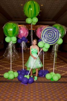 balloons look like lollipops perfect for photo opt area = make mini's for photobooth! Candy Themed Party, Candy Land Theme, Party Themes, Party Ideas, Candyland, Bat Mitzvah, Candy Decorations, Sweet 16 Parties, Christmas Candy