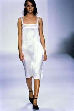Calvin Klein Collection Spring 1995 Ready-to-Wear Fashion Show - Amber Valletta