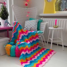 """Ripple crochet blanket, love the colors - A N N E M A R I E (@studiohipenstip) on Instagram: """"Hello everyone. I'm back here Hope you are doing well!  I've crochet and finished a lot WIP's the…"""""""