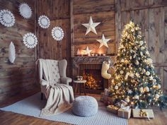 Christmas Photo Booth, Diy Christmas Garland, Christmas Backdrops, Elegant Christmas, Christmas Tree Toppers, Rustic Christmas, Christmas Photos, Christmas Decorations, Fireplace Decorations