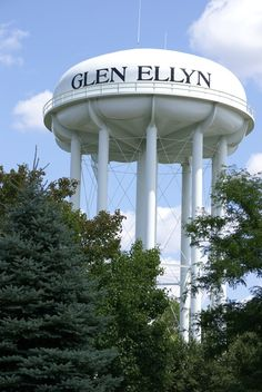Glen Ellyn, IL : Glen Ellyn Water Tower ///  my home town and we had GREAT water :-)