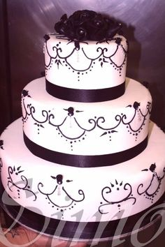 #weddingcake anniversario http://www.simocakedesigner.it/